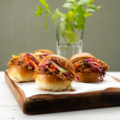 BBQ-Pulled-Pork-Sliders_BG